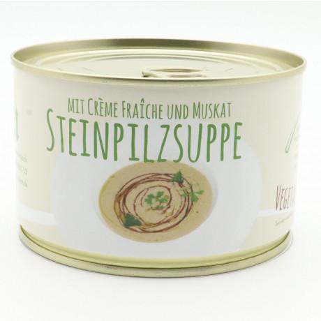 Steinpilzsuppe mit Muskat und Creme Fraiche