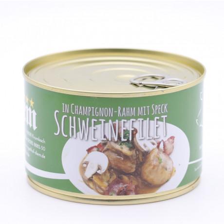 Filet vom Landschwein mit Schinken Speck und Champignon Rahm Soße
